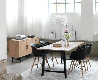 bord och stolar